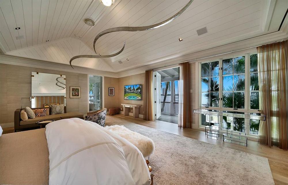 Biệt thự ven biển 35,4 triệu USD của tài tử Sylvester Stallone
