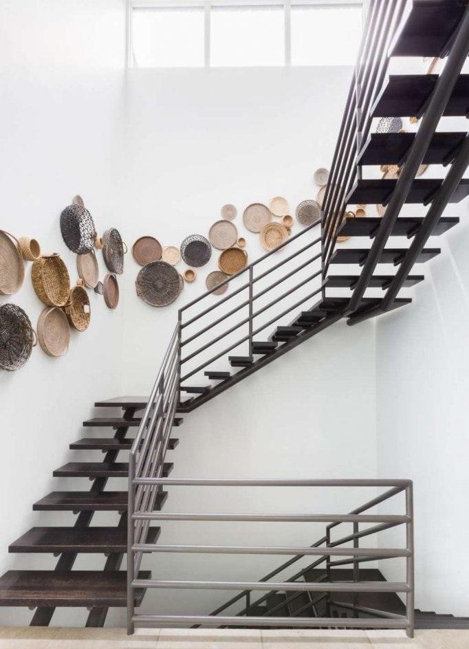 Ý tưởng trang trí tường cầu thang nhà đẹp
