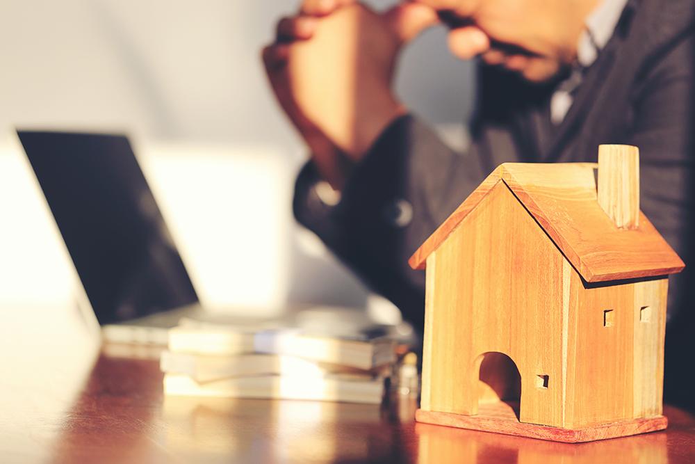 Dịch bệnh tàn phá: Nên bán nhà cho yên ổn hay cố giữ để mất ngủ hàng đêm? [NEW]