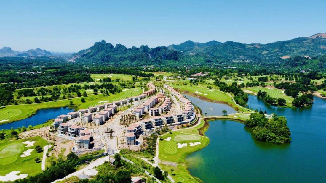 Biệt thự nghỉ dưỡng Wyndham Sky Lake Resort & Villas Chương Mỹ
