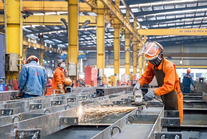 Sức ép mở cửa lại nền kinh tế của TP HCM