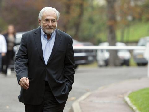 Strauss-Kahn buộc phải chi tiền để yên thân. Ảnh: AFP