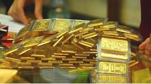 Vàng lại tụt khỏi mốc 43 triệu đồng/lượng