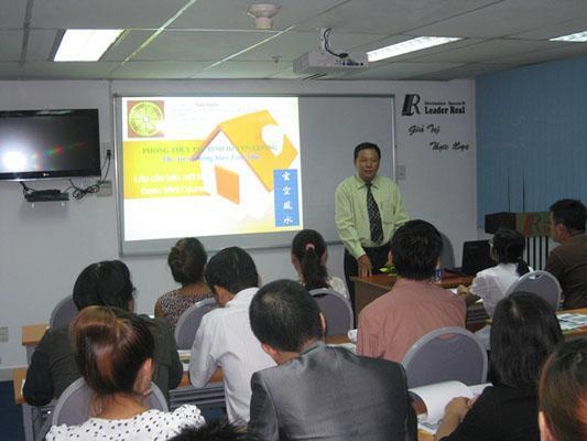 """Ngày 19/5/2012: Buổi huấn luyện """"Trở thành nhà môi giới bất động sản chuyên nghiệp"""""""