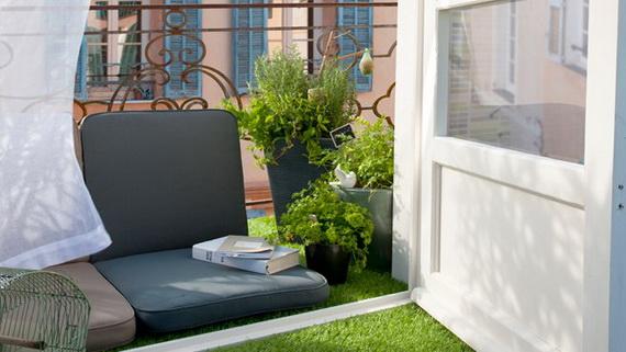 Thư giãn ngày hè với ban công chung cư