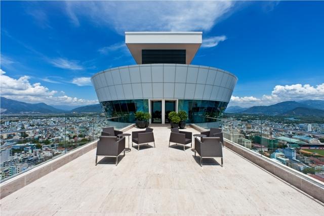 Dự án chung cư Gold House (An Tiến) trên đường Nguyễn Hữu Thọ, xã Phước Kiểng, huyện Nhà Bè, TPHCM, nơi những căn hộ thông tầng được chào bán 10 triệu đồng/mét vuông. Ảnh Đình Dũng