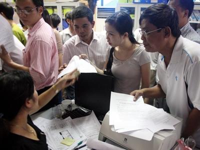Khách hàng đăng ký mua nhà giá rẻ ở dự án Đại Thanh