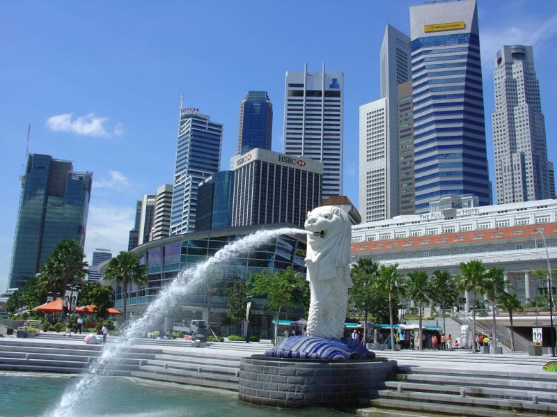 Chính phủ Singapore hiện đang đầu tư xây dựng cơ sở hạ tầng
