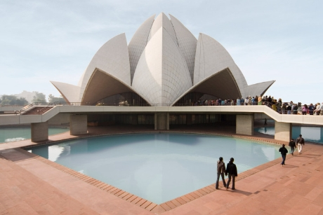 Một ngôi đền thờ tại New Delhi, Ấn Độ hình bông hoa sen được ghi vào sách Guinness thế giới về kiến trúc đẹp và thu hút được nhiều khách du lịch nhất