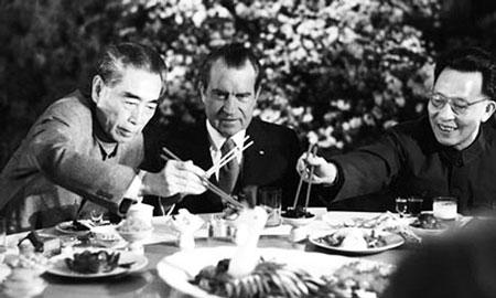 Nixon trong chuyến công du lịch sử đến Trung Quốc