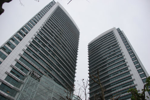 Tòa tháp đôi của EVN tại Ba Đình, Hà Nội. Ảnh: Khánh Chi