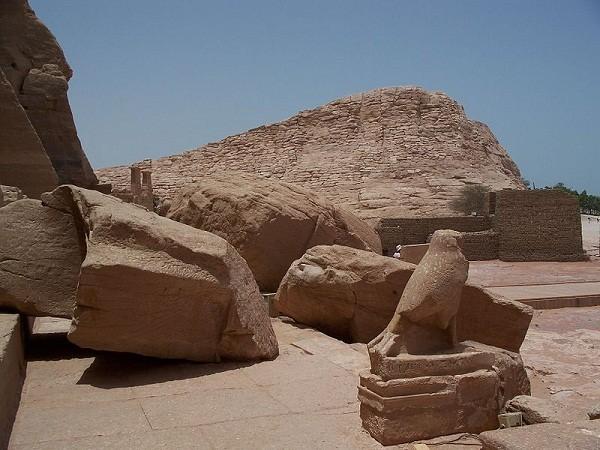 Thăm đền thờ đá của Pharaoh vĩ đại nhất Ai Cập 4