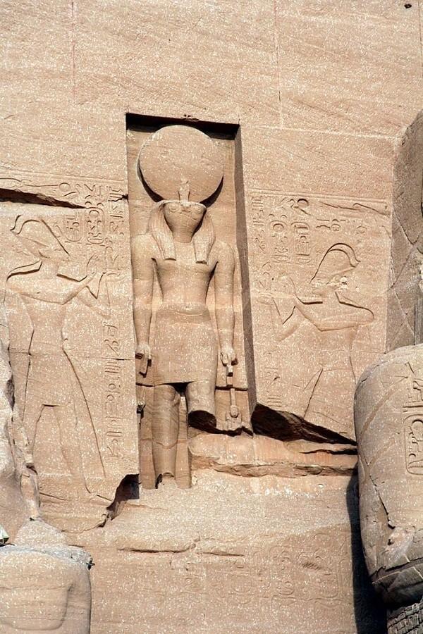 Thăm đền thờ đá của Pharaoh vĩ đại nhất Ai Cập 6