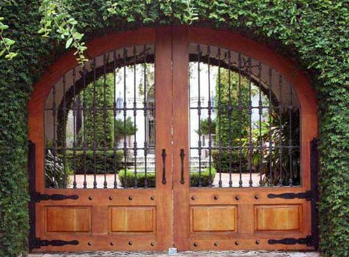 cong nha 1 1336400774 Cách thiết kế cổng cho nhà vườn đẹp và hợp phong thủy
