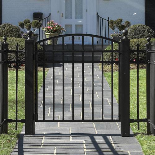 cong nha 2 1336400790 Cách thiết kế cổng cho nhà vườn đẹp và hợp phong thủy