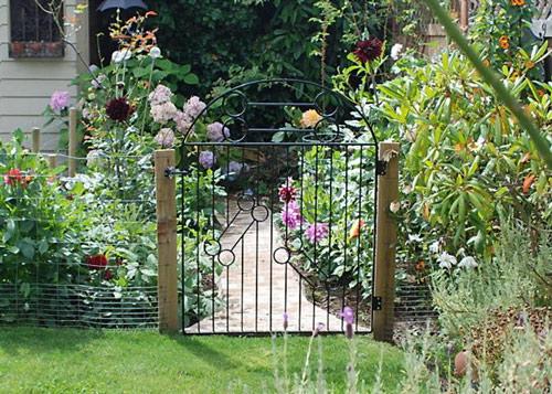 cong nha 3 1336400816 Cách thiết kế cổng cho nhà vườn đẹp và hợp phong thủy