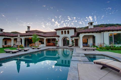 Biệt thự rộng 785m2, rất tiện nghi, sang trọng, được Britney mua với giá 8,5 triệu USD.