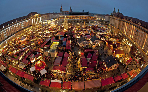 Rất nhiều hội chợ được mở ra ở các thành phố ở Đức để làm nơi mua sắm và vui chơi cho người dân dịp lễ Giáng sinh. Ảnh: AFP